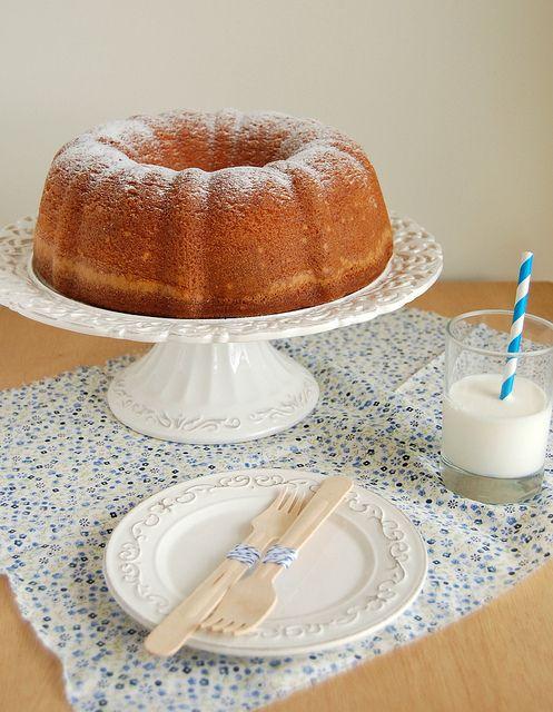 Elvis Presley's favorite pound cake / O bolo favorito do Elvis by Patricia Scarpin, via Flickr
