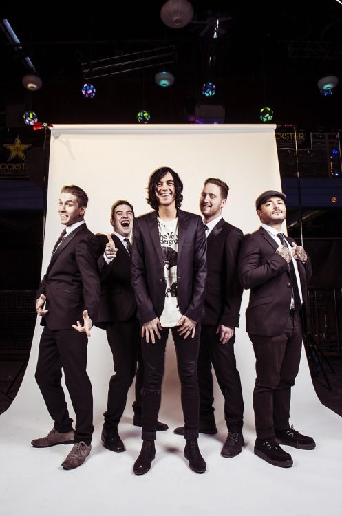 sleeping with sirens are so beautiful