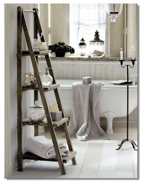 Esiste qualcosa di più country chic, romantico e affascinante di una vasca da bagno con i piedini? Il bagno in vasca è uno degli ultimi dem...