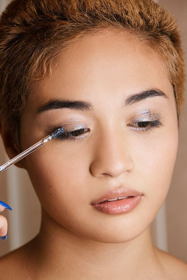 Tutoriel de Maquillage : Get the Look: Unicorn Makeup with Emily Lee - Urban Outfitters - Blog...