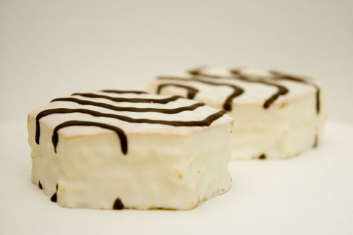LITTLE DEBBIE ZEBRA CAKES! THESE HAVE ALWAYS BEEN MY FAVORITE