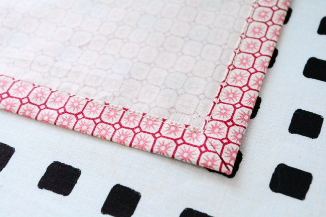 how to sew mitered corners (keeps hemmed corners from getting bulky) | coletterie