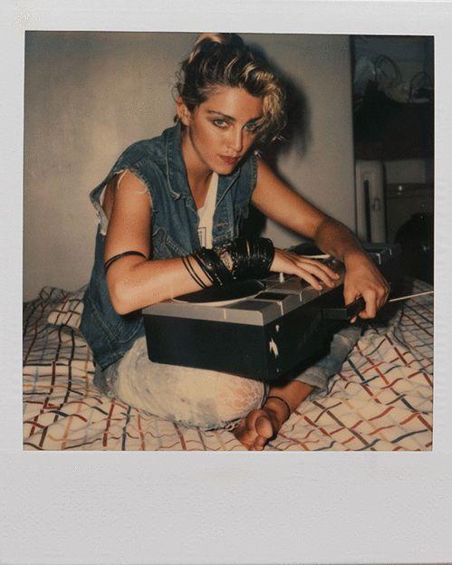 M66 livre madonna polaroids photos eighties corman 17