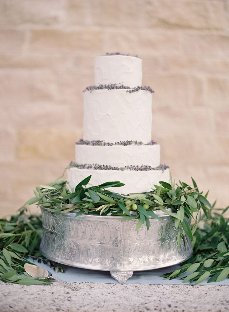 Al Fresco Elegance At Cal A Vie Textured Wedding CakesRustic