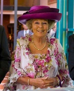 <3 Queen Beatrix from the Netherlands retires on 30 april 2013