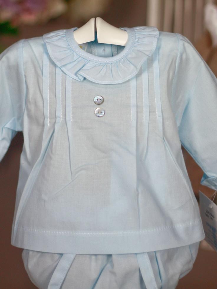 Camisa celeste volante y pliegues de Bebe   Les Bébés