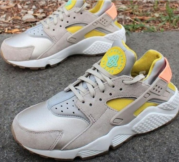 Nike WMNS Air Huarache Run PRM 683818 006 Sneaker Neu Top - 385