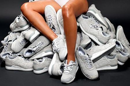 Одежда и обувь для Женщин
