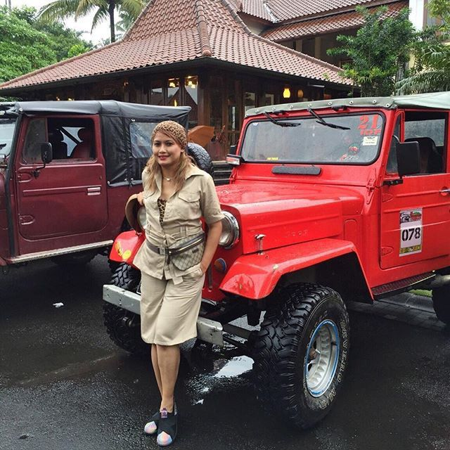 The offroad jeeps are ready to take us to Merapi Tour