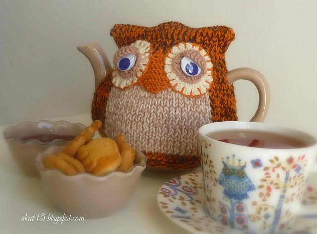 Knitted Owl Tea Cosy Pattern : 17 Best images about Random Owl on Pinterest Watermelon, Tea cosies and Gif...
