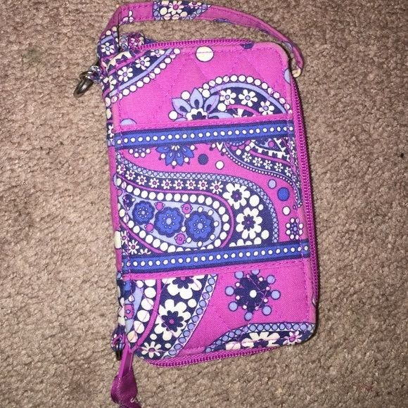 Buy both Vera Bradley's wristlets for 20$! Perfect shape, buy my other Vera Bradley for 20 total or 14 for this one and 6 for the other! Vera Bradley Bags Clutches & Wristlets