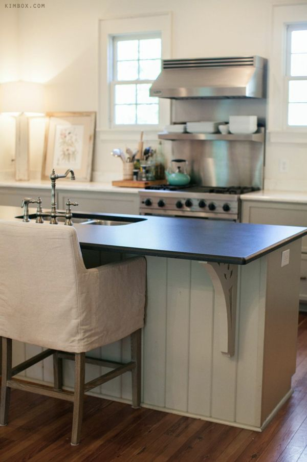 Farmhouse_Kitchen_Black_Leathered_Granite