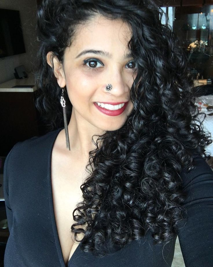 Cantu Curl Activator Review & Steps To Use It on Wavy