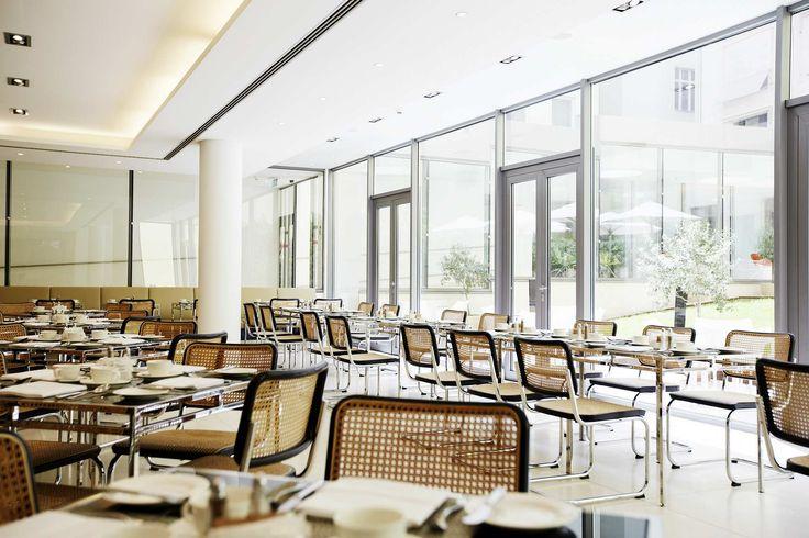 Breakfast Restaurant  Design Eva Jiricna Photo Stefan Schutz