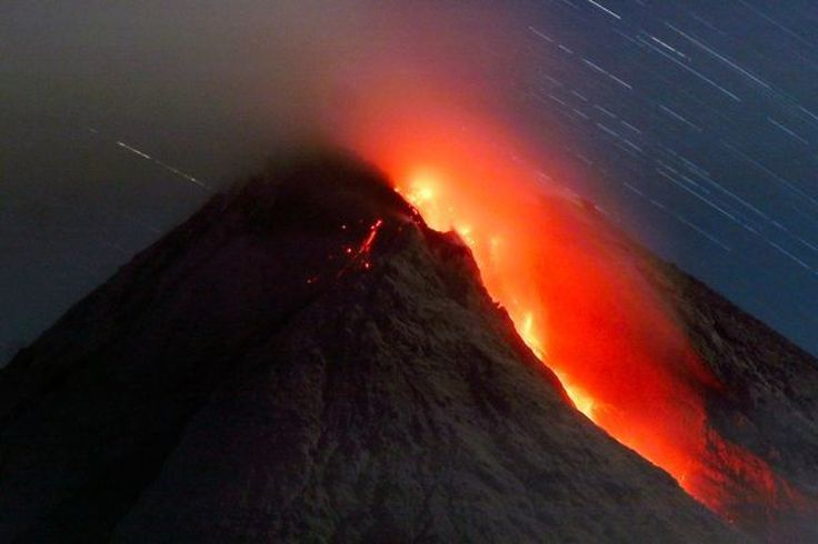 Appealing Indonesia Has More Active Volcanoes Than Any Other Country It as well as Lava Mother Mountain In Papua New Guinea | Goventures.org