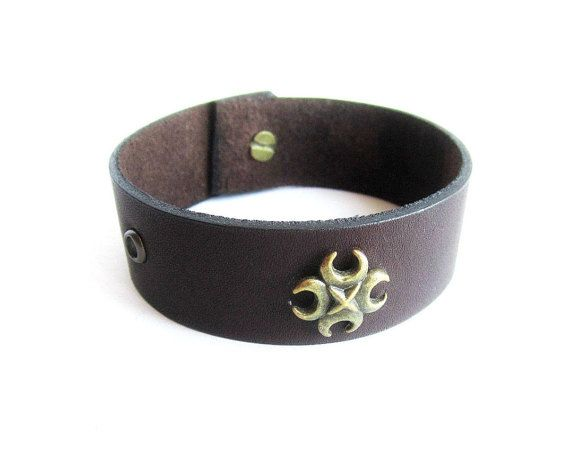 Mens leather bracelet riveted leather cuff by Bravemenjewelry
