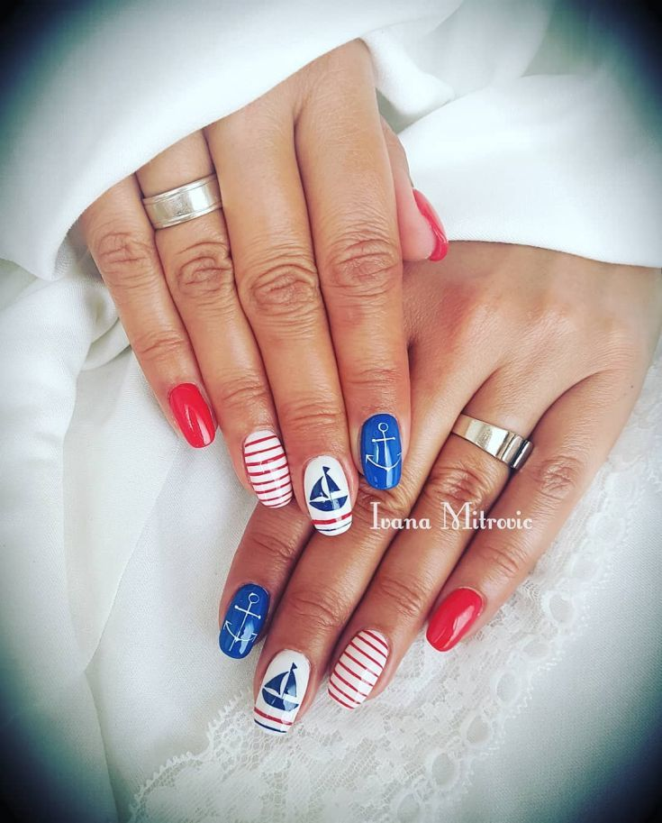 стрижки фото красивых ногтей нарощенных в морском стиле его история