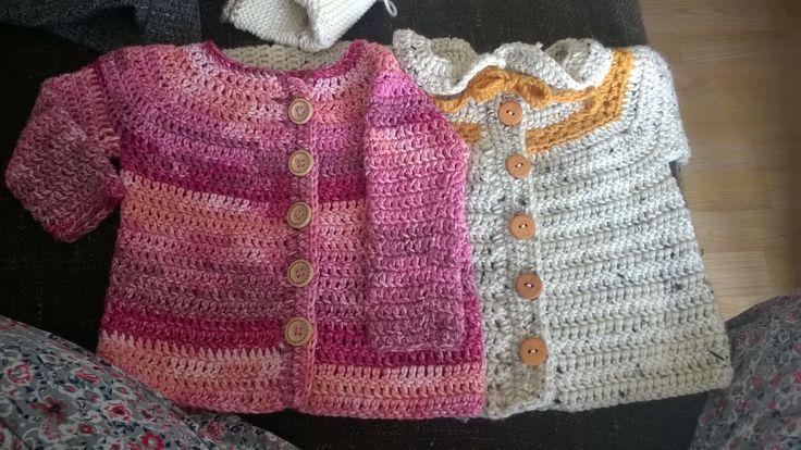 Svetříky pro miminko, handmade crochet baby sweaters