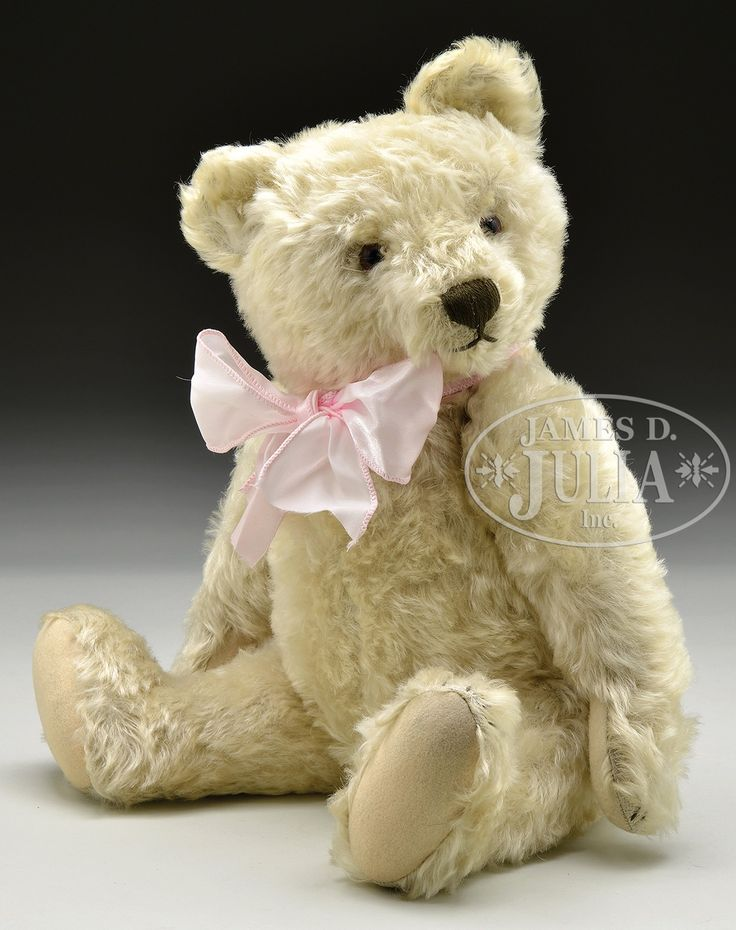 PAIR OF COLLECTIBLE VINTAGE MOHAIR TEDDY BEARS.