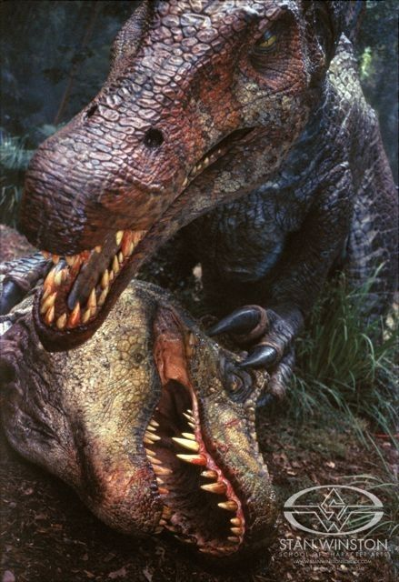 JP III  39 s Spino lords over the defeated T rex  Jurassic Park fans around the world mourn