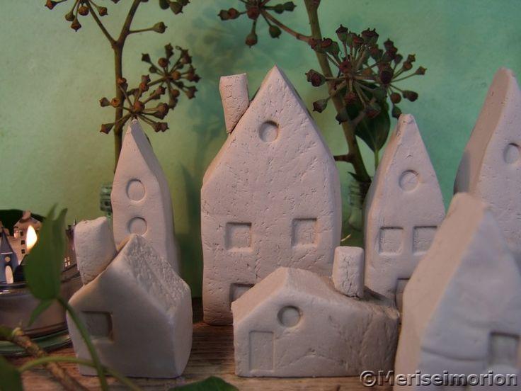 Deko Häuser aus lufttrockender Modelliermasse