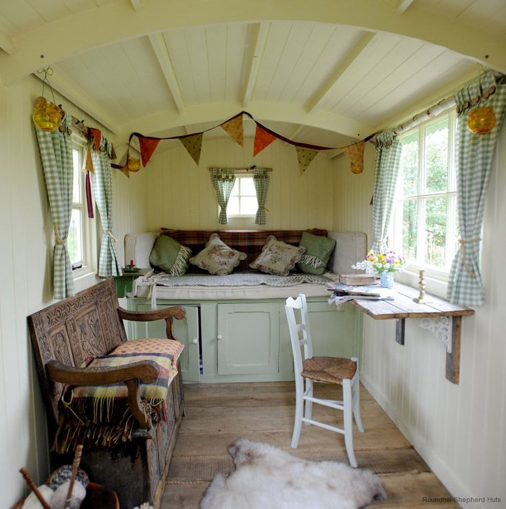36 best shepherd 39 s hut images on pinterest gypsy caravan for Beach hut interiors