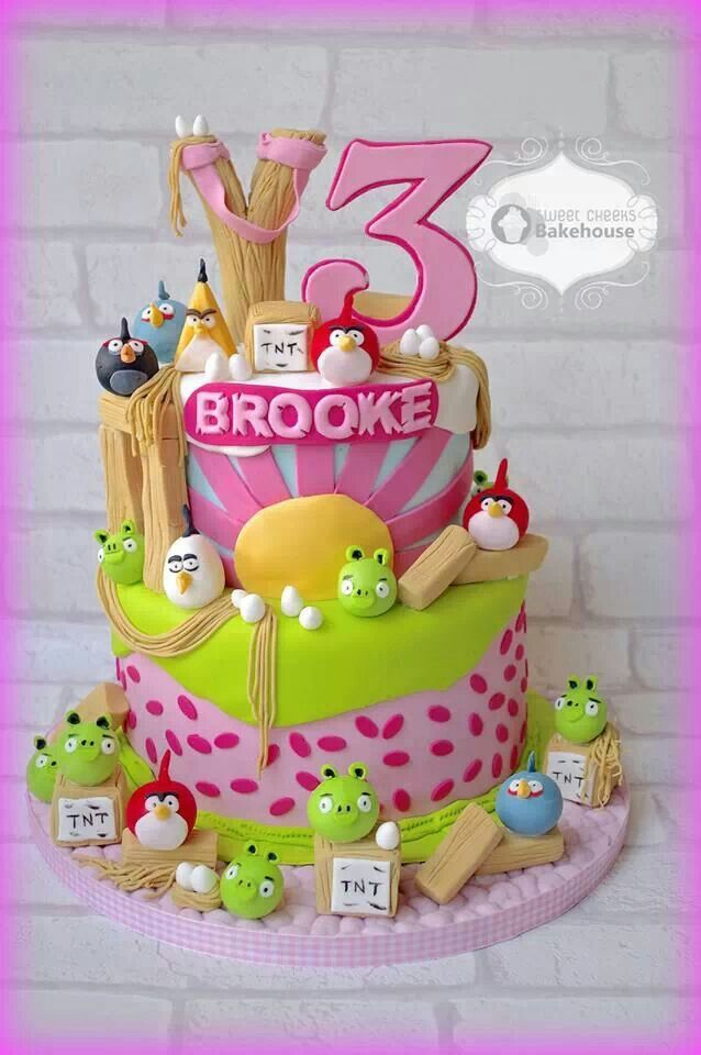 140 best cakes angry birds images on pinterest bird for Angry birds cake decoration kit