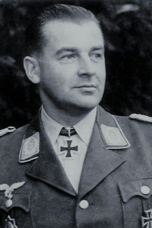 Major Kurt Gröschke (1907-1996), Kommandeur II./Fallschirmjäger Regiment 1, Ritterkreuz 09.06.1944, Eichenlaub (693) 09.01.1945