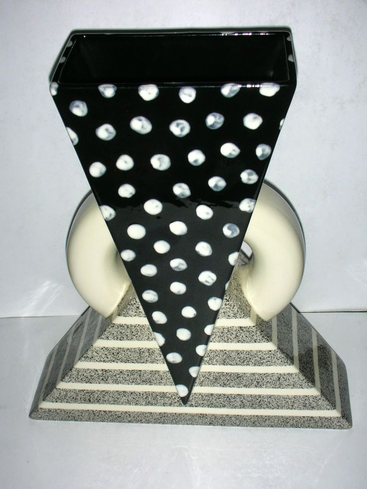 SKYSCRAPER CAPE TOWN - 20th CENTURY CLASSICS: Post Modern Memphis Style Vase by Michael Duvall