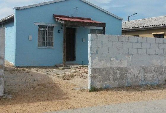 Renovators Dream house in Mitchells Plain