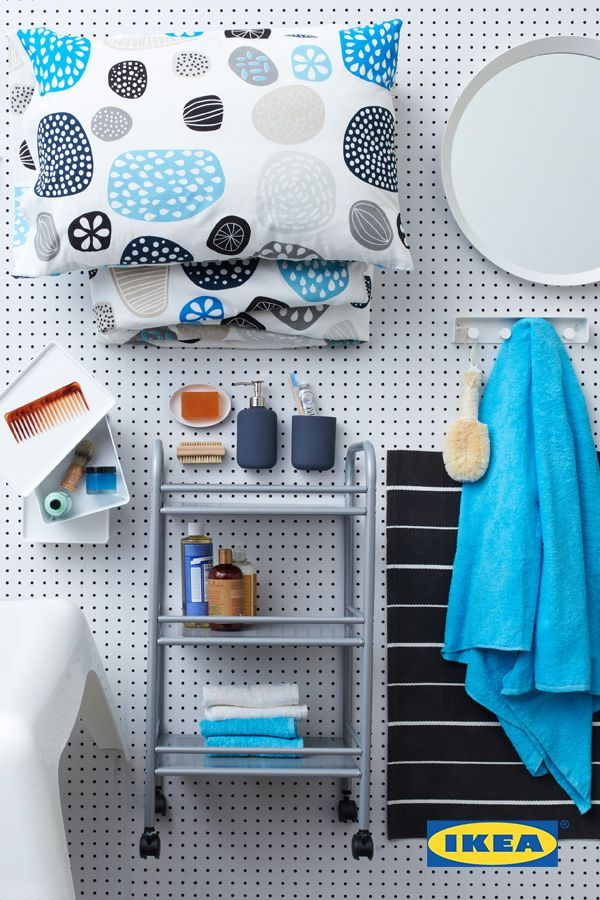 Add style to your college space! Minimal colors make it easy to experiment in your dorm or college room with a few fun patterns. Keep the same color scheme throughout your accessories and bring out the bold patterns in your bedding or rug – like the IKEA SÖFTEN rug! #IKEAStudyInStyle