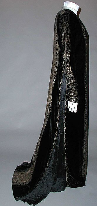 Dress Fortuny  (Italian, founded 1906)   Designer: Mariano Fortuny (Spanish, Granada 1871–1949 Venice) Date: early 20th century Culture: Italian Medium: silk, glass. Sideway