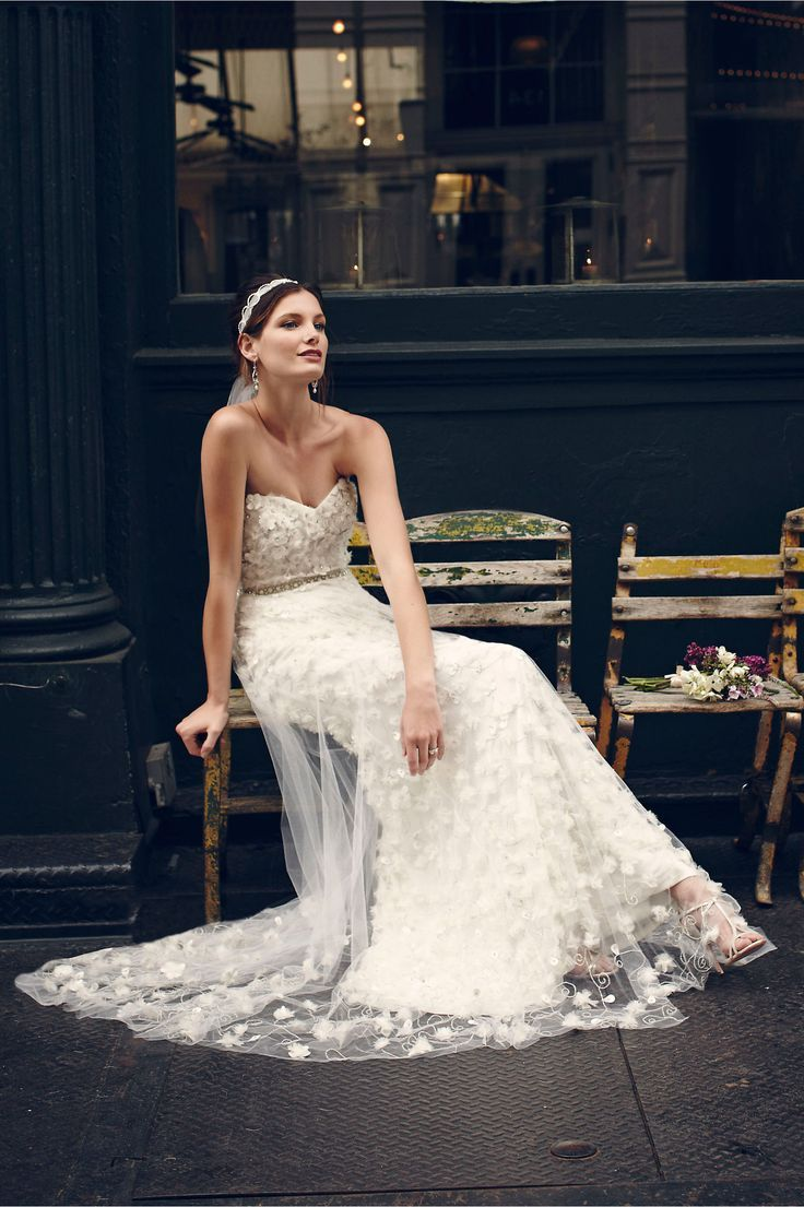 Theia Floral Embellishment Wedding Dress Lemonade and Love – Outdoor Wedding Inspiration in Shades of Yellow and Green