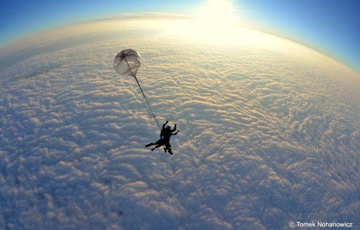 Uwielbiasz sporty ekstremalne - zrób szkolenie AFF i skacz samodzielnie ze…