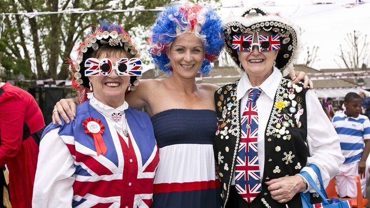 All the times Britain celebrated the Queen's jubilees in the most British way imaginableA street party in London Britain as part of the Queens Diamond Jubilee celebrations in May 2012. Image:  News Pictures/REX/Shutterstock  By Rachel Thompson2017-02-06 15:35:57 UTC  The Queen made history on Monday as she became the first British monarch ever to reach a Sapphire Jubilee 65 years on the throne.   There are no official celebrations planned as her majesty will be spending the day privately in…