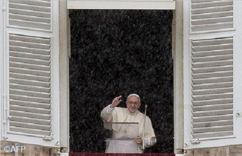 Angelus, invito di Papa Francesco a fare della vita un dono generoso