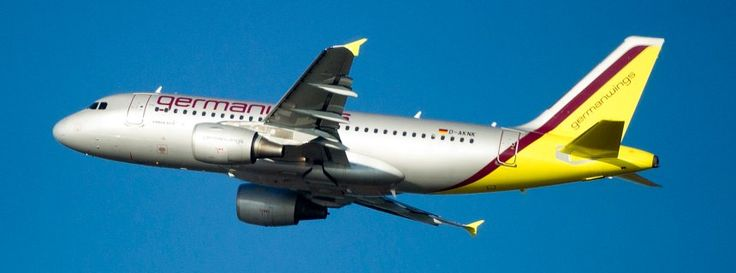 Ein Airbus A319 von Germanwings (im November 2011): Keine Quelle für Gerüche gefunden http://www.spiegel.de/wissenschaft/technik/geruch-im-cockpit-germanwings-zwischenfall-bleibt-ungeklaert-a-937447.html