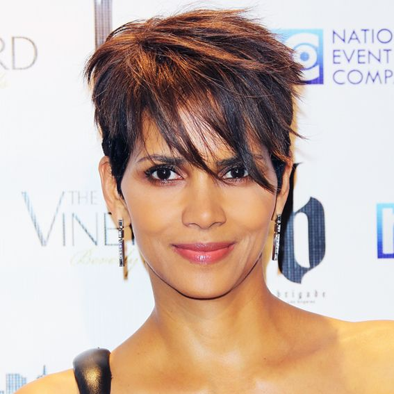 Piecey bangs gave her trademark pixie an edgy twist at an Oscars after-party.