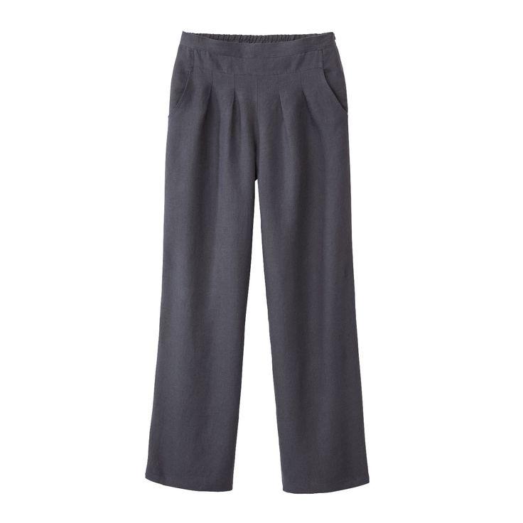 Linnen broek, leisteen. Warm genoeg met een maillot of legging eronder. Plooien moeten net goed vallen bij jou.