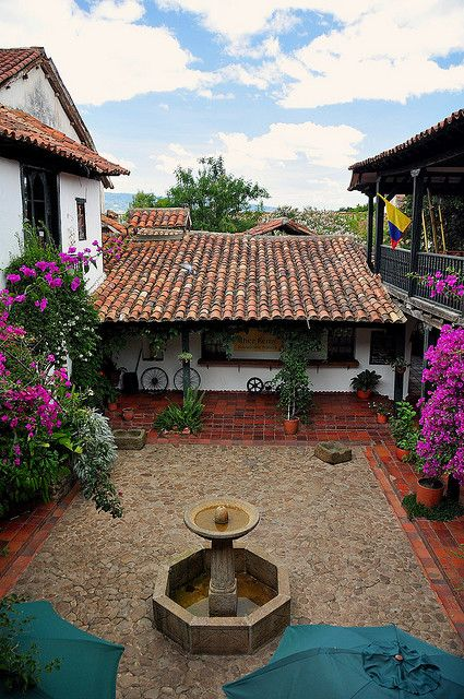 Pueblito de mis cuitas de casas pequenitas. ...Beautiful houses in Villa de Leyva, Colombia