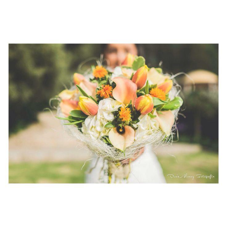 Vintage Orange bouquet  Www.juliethbravo.com