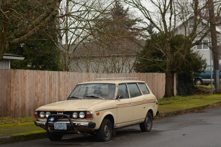 OLD PARKED CARS.: 1978 Subaru DL Station Wagon.