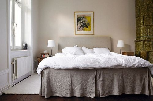 a mostly white decor bedroom, so fresh and inviting
