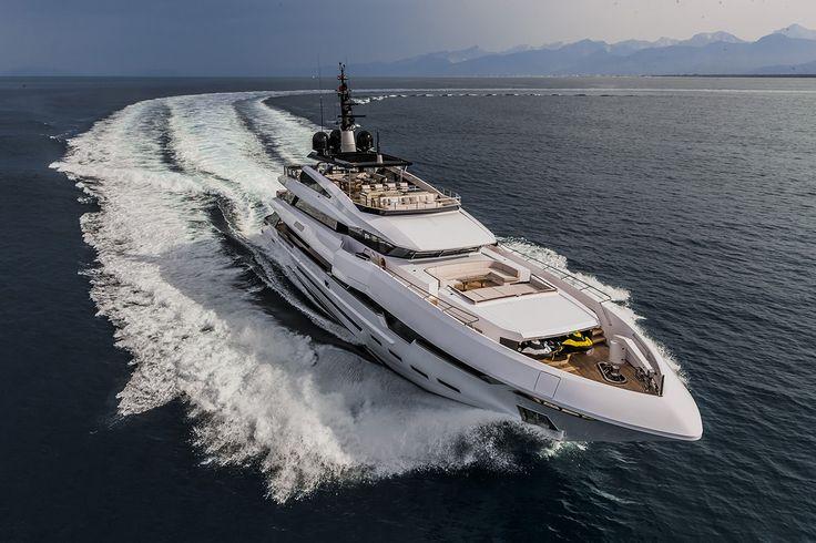 """Super yacht """"Polaris"""" présenté au dernier salon """"Monaco Yacht Show"""""""