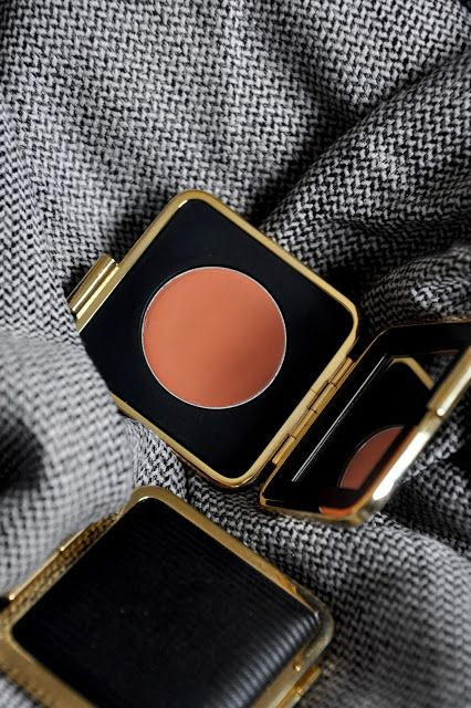 Victoria Beckham x Estee Lauder, Estee Lauder, Blonde Mink Blush, Cream Blush, Beauty blogger, Powder compact, makeup, Beauty,