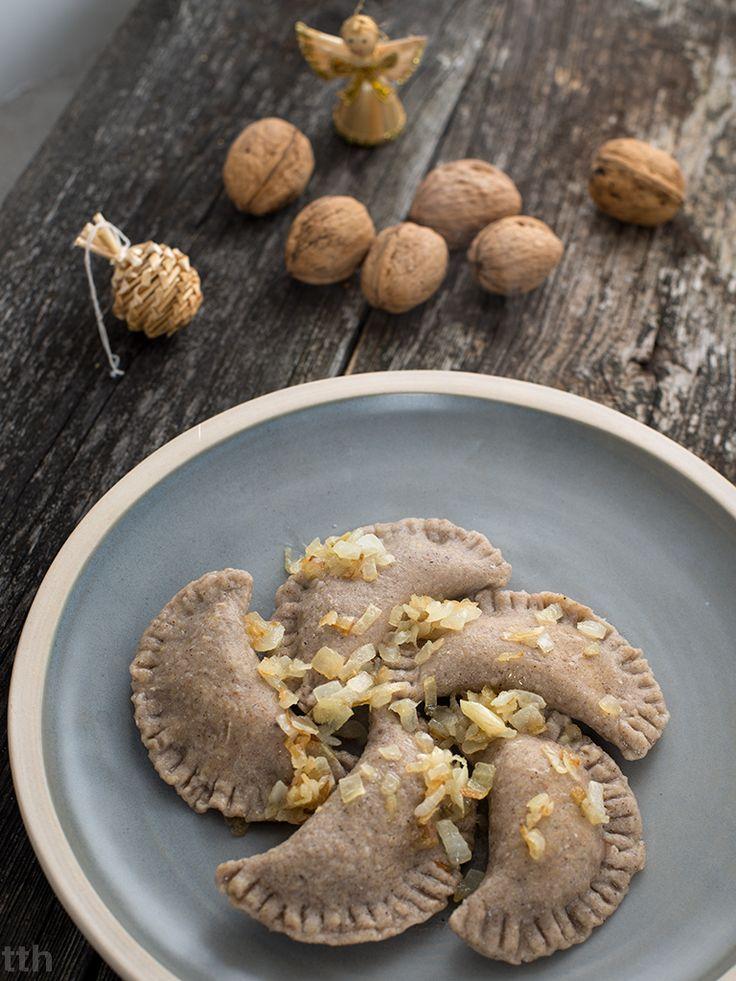 wegańskie bezglutenowe pierogi z kapustą i grzybami