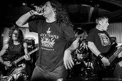 Культовая немецкая треш-метал формация Tankard объявила о выпуске нового альбома по случаю 35-летия коллектива. Он получил название «One Foot In The Grave» и увидит свет 2 июня под вывеской рекорд-компании Nuclear Blast. Студийный трейлер о записи нового альбома с фрагментами новых