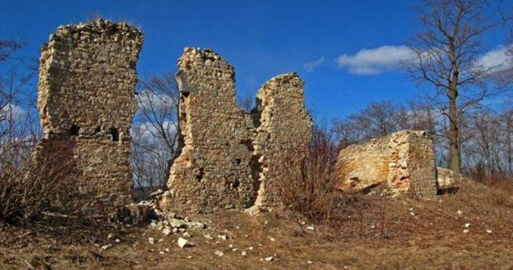 Džbán: zapomenutý klášter i záhada kamenných řad | Tajemná místa