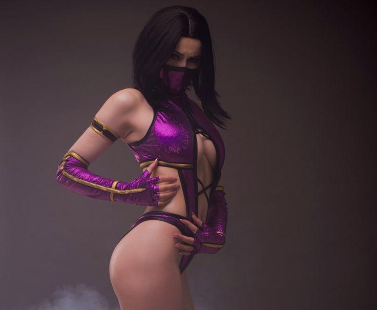 Mileena From Mortal Kombat Cosplay Is Unbelievably Hot