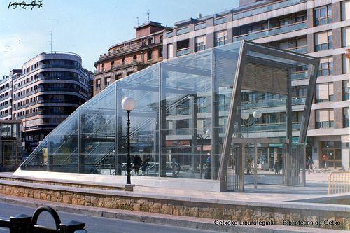 Metroko sarrera algortako geltokian nueva boca del metro for Plaza de la estacion fuenlabrada